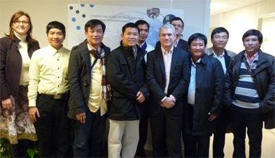 Accueil d'une délégation vietnamienne : observation du modèle français des Centres hospitaliers universitaires (CHU)