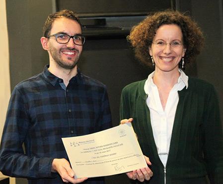 Jonathan Roux, prix du meilleur poster et Judith Mueller, directrice adjointe du réseau doctoral